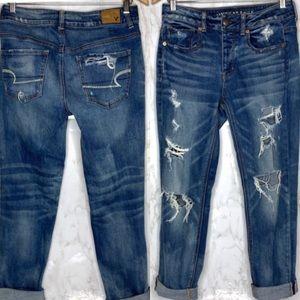 AE Tom Girl Distressed jeans cuffed rolled raw hem